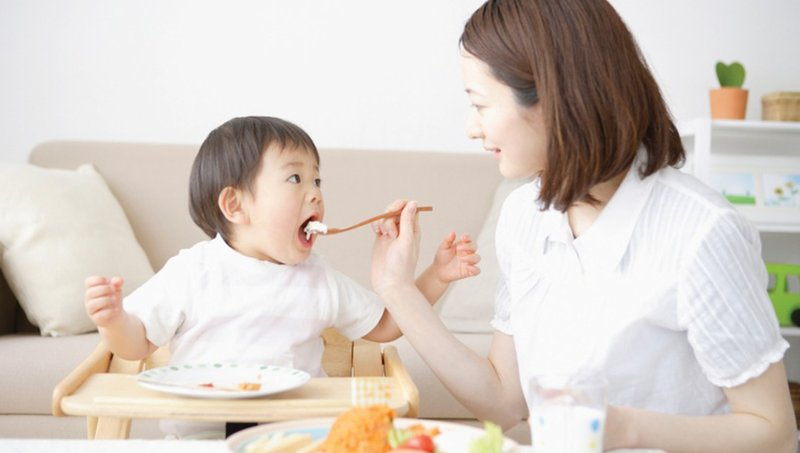 4 Cara Menghindari Perut Balita Kembung Setelah Makan 03.jpg