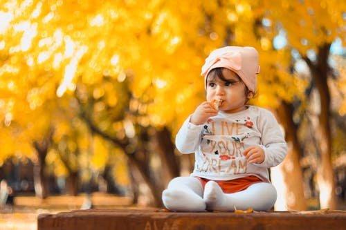 4 Ide Permainan Outdoor untuk Anak 1 Tahun 01.jpeg