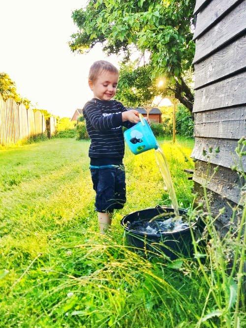4 Ide Permainan Outdoor untuk Anak 1 Tahun 04.jpeg