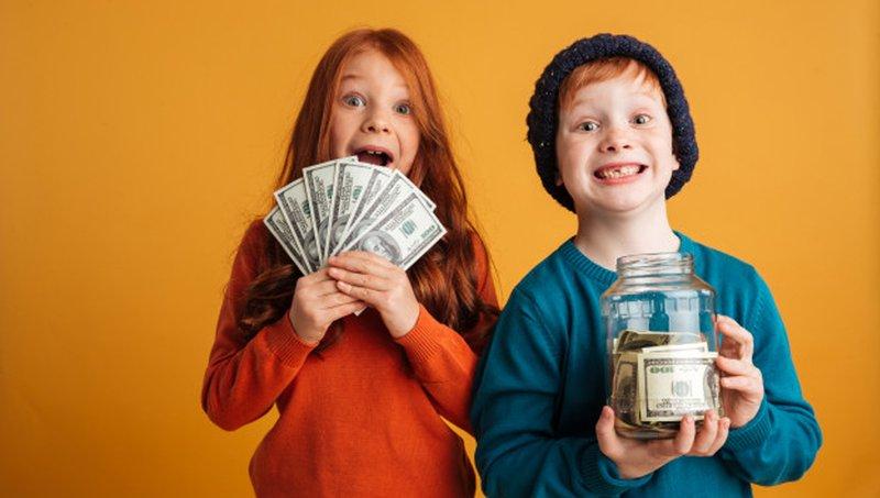 4 Kesalahan Orang Tua Saat Mengajarkan Uang Pada Anak 1.jpg