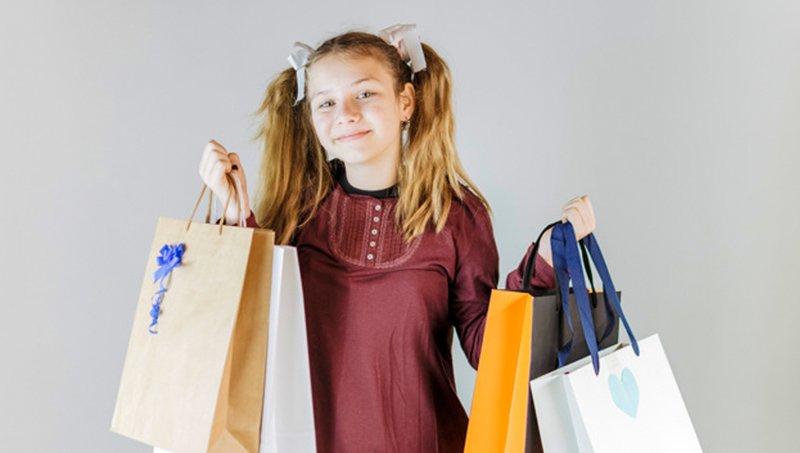 4 Kesalahan Orang Tua Saat Mengajarkan Uang Pada Anak 2.jpg