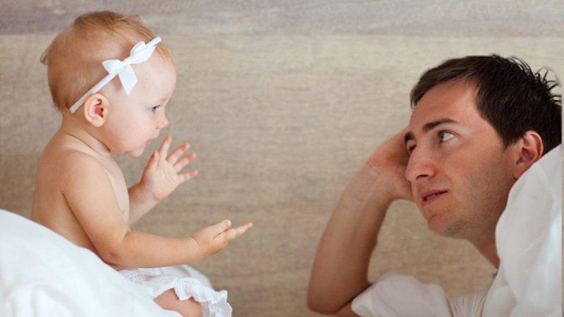 bayi mengenali wajah ayah