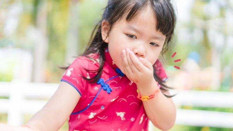 4 Cara Mengeluarkan Benda yang Terletelan Bayi yang Harus Moms Ketahui.jpg