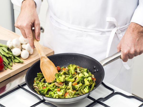 4 Teknik Memasak Ini Justru Akan Meracuni Makanan Waspada Ya Moms -2.jpg
