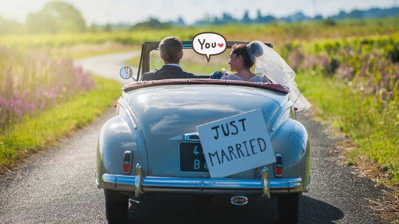 4 Tips Keuangan Aman untuk Pasangan yang Baru Menikah, Ikuti, Yuk!.jpg