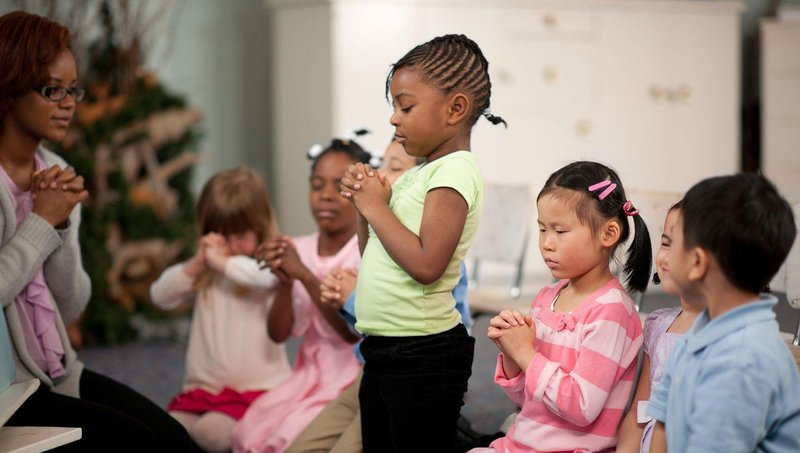 4 cara mengajarkan anak keberagaman dan bertolerasi agama 3
