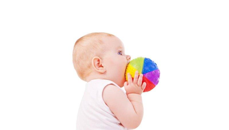 4 latihan mudah untuk si kecil yang baru belajar berjalan 3