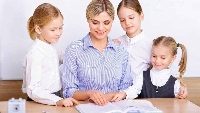 4 tips hentikan kebiasaan anak membandingkan diri dengan orang lain 1