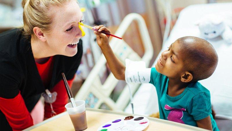 4 tips mudah mempersiapkan si kecil ke rumah sakit 4