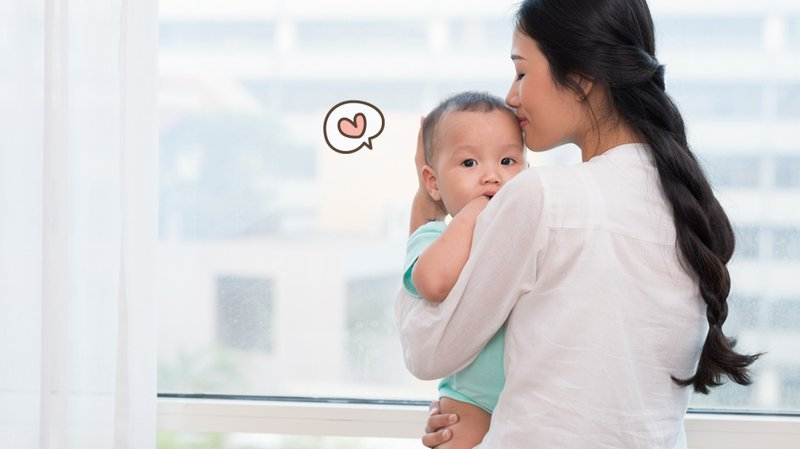 5 Cara Tepat Menggendong Bayi, Wajib Diperhatikan!
