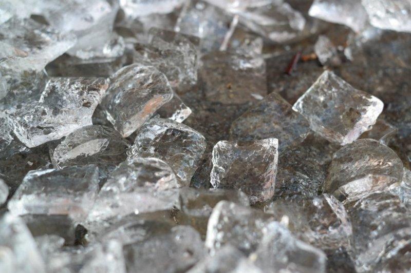 aneka bahan untuk kreasi es