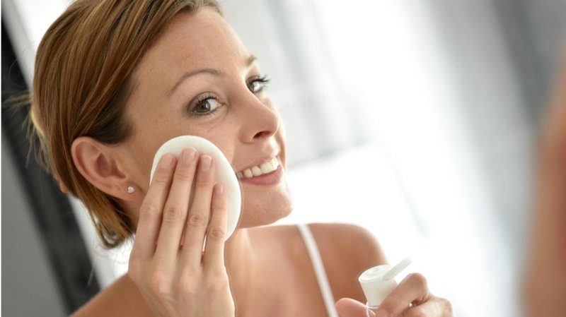eksfoliasi wajah sebelum pakai pore strip