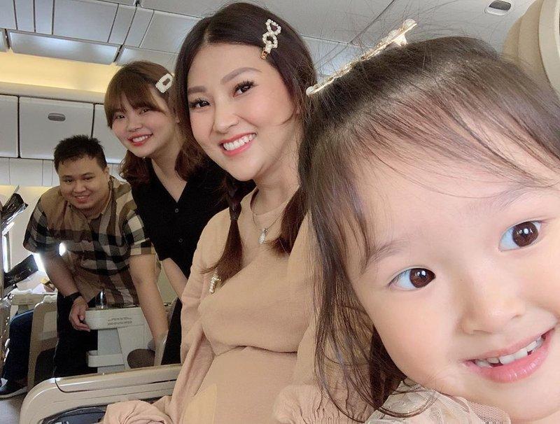 Sarwendah Terbang ke Singapura untuk Melahirkan, Ketahui Batas Usia Kandungan Agar Aman Naik Pesawat!