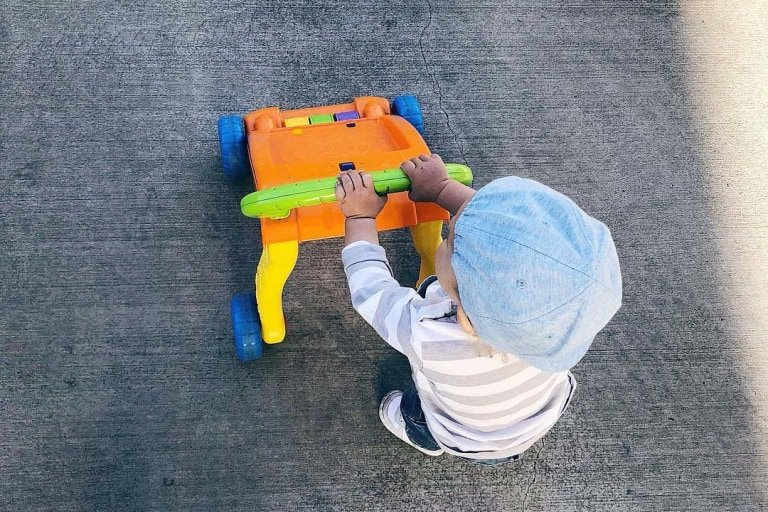 5 Cara Ini Pastikan Bayi Aman Saat Belajar Berjalan -2.jpg