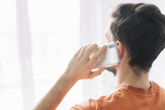 5 Cara Membangkitkan Gairah Istri Lewat Telepon 4.jpg