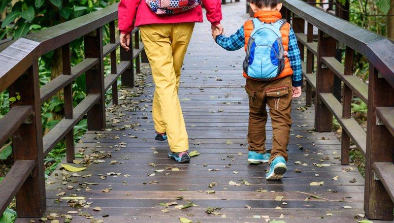 5 Cara Mendekatkan Hubungan Dengan Anak Adopsi 4.jpg