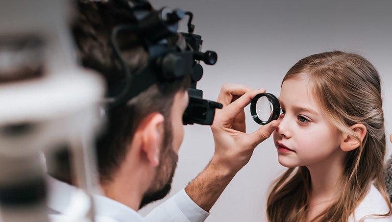 5 Cara Mengatasi Mata Merah Pada Anak Sesuai Penyebabnya 2.jpg