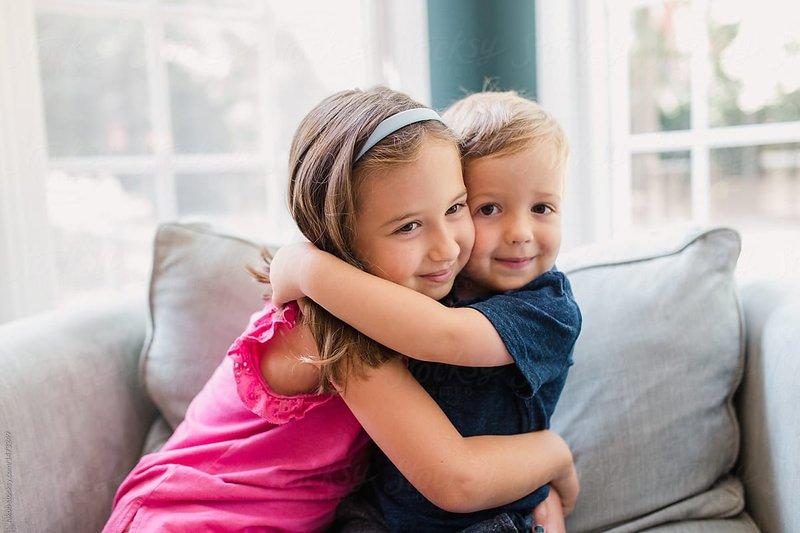 5 Cara ini Bisa Moms lakukan untuk Menjaga Hubungan Kakak Adik agar tetap Akur 4.jpg