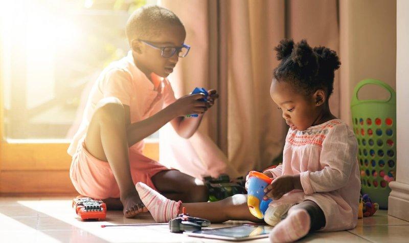 5 Cara ini Bisa Moms lakukan untuk Menjaga Hubungan Kakak Adik agar tetap Akur 3.jpg