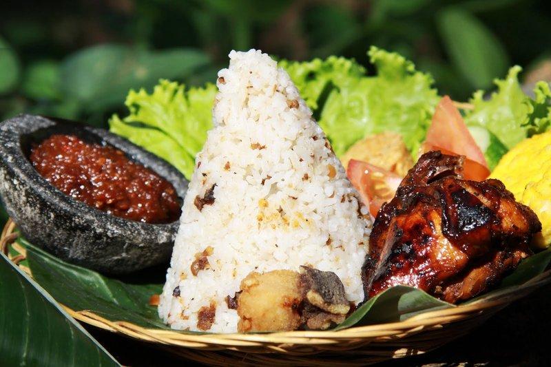 5 Daerah Destinasi Wisata Kuliner di Indonesia, Boleh Dicoba! 02.jpg