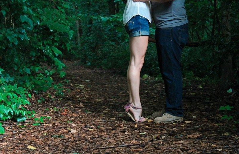 5 Hal yang Harus Diperhatikan Saat Melakukan Posisi Seks Berdiri 1.jpg
