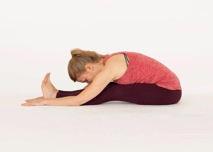 5 Jenis Pose Yoga untuk Bantu Atasi Sembelit - 5 the Forward Bending Pose - a.jpg