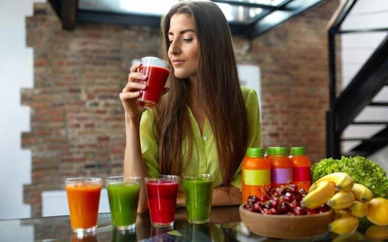 5 Kesalahan Saat Sarapan yang Bikin Berat Badan Naik - 5 hanya meminum jus.jpg