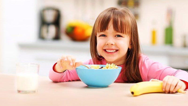 5 Kiat Mengatasi Kebiasaan Anak Makan Terlalu Lama 4.jpg