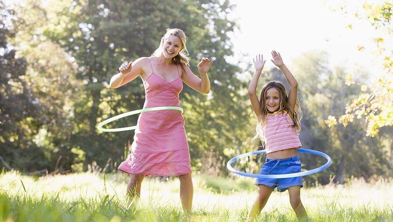 5 Manfaat Bermain Hula Hoop Bagi Anak 3.jpg