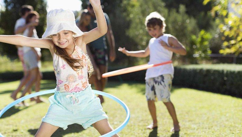5 Manfaat Bermain Hula Hoop Bagi Anak 5.jpg