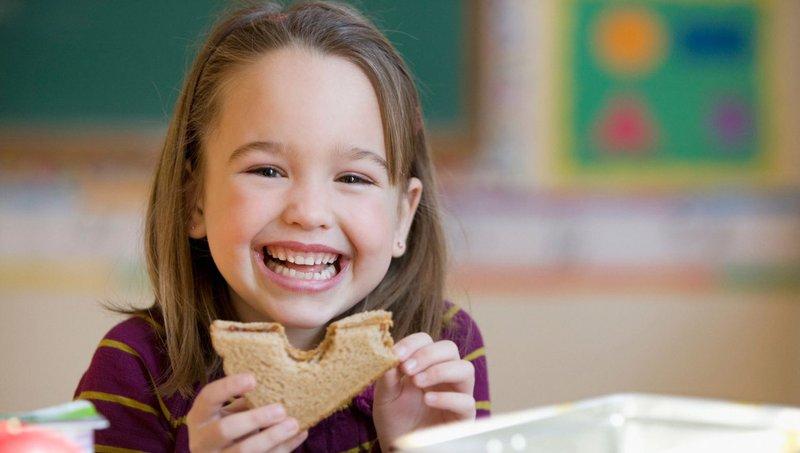 5 Manfaat Makan Siang Sehat Untuk Anak Sekolah 1.jpeg