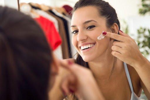 5 Manfaat Memakai Sunscreen untuk Kesehatan Kulit-4.jpg