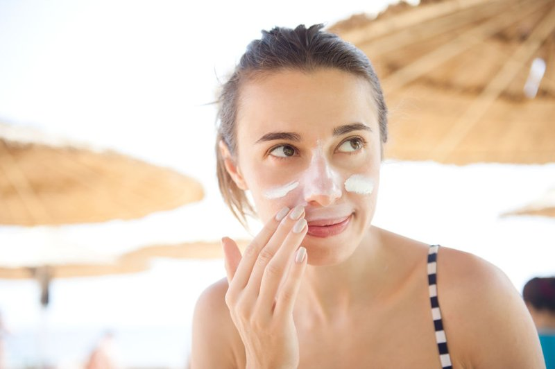 5 Manfaat Memakai Sunscreen untuk Kesehatan Kulit-2.jpg