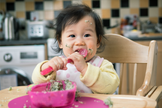 Ini 4 Cara Membentuk Kebiasaan Makan Sehat untuk Bayi -4