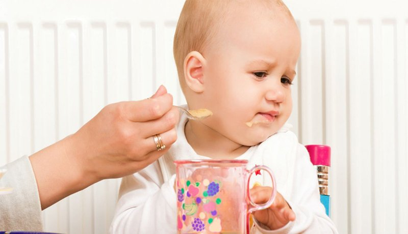 5 Tanda Bayi Belum Siap Makan Makanan Padat -3.jpeg