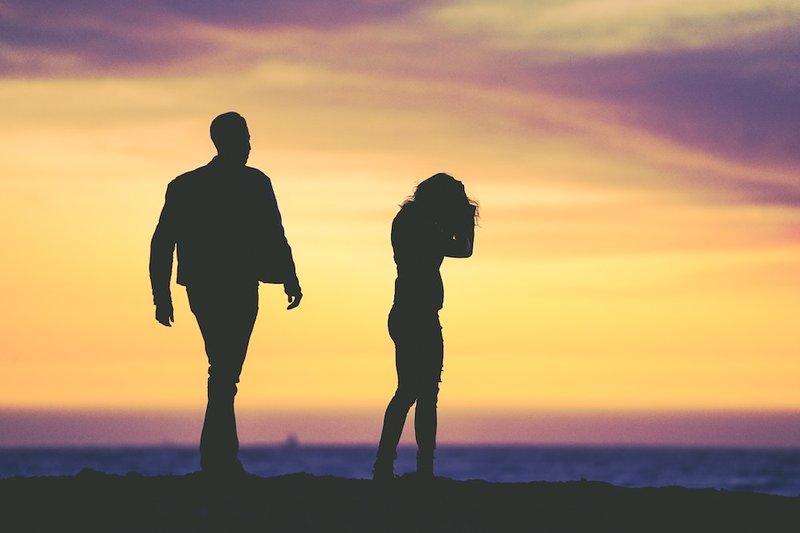 5 Tanda Moms and Dads Harus Memutuskan untuk Bercerai 2.jpg