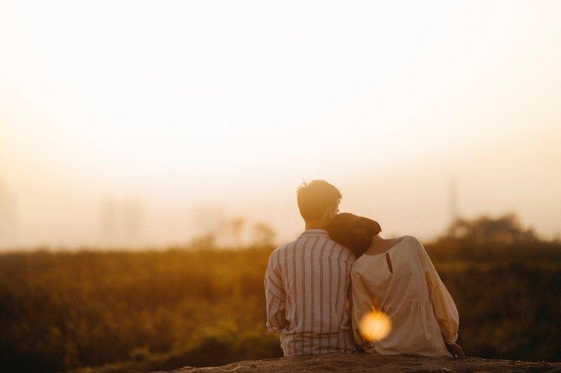 5 Tanda Suami Masih Mencintai Istri dan Sebaliknya 4.jpg