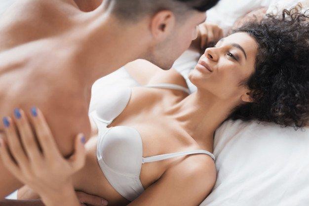 5 Tips Foreplay agar Bercinta Lebih Tahan Lama 1.jpg