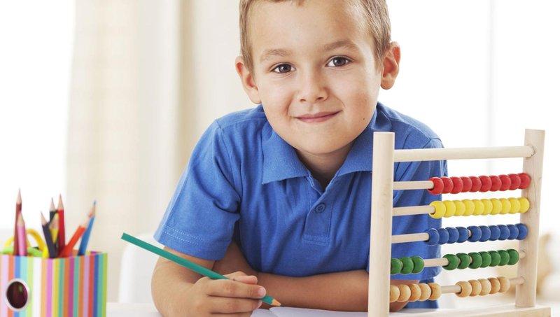 5 cara membantu anak kinestetik belajar di rumah 2