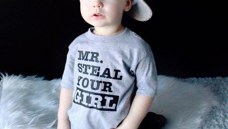 5 cara mengajarkan anak memakai baju sendiri 1
