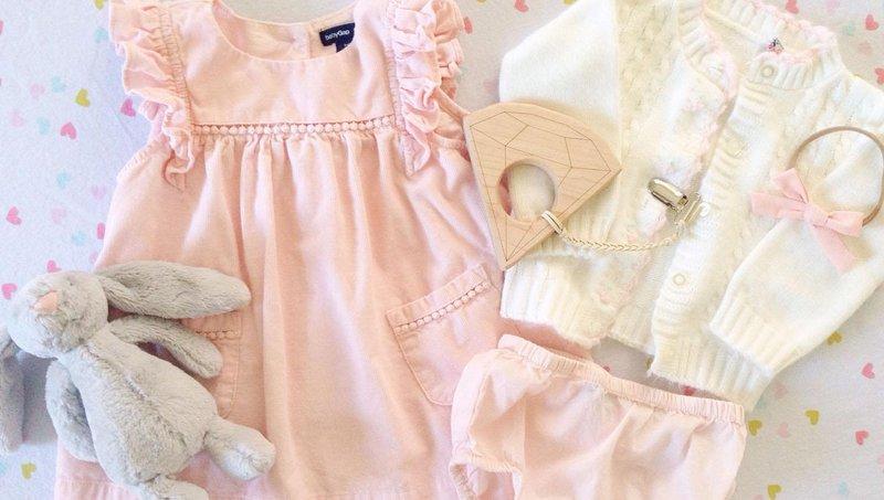5 cara mengajarkan anak memakai baju sendiri 4