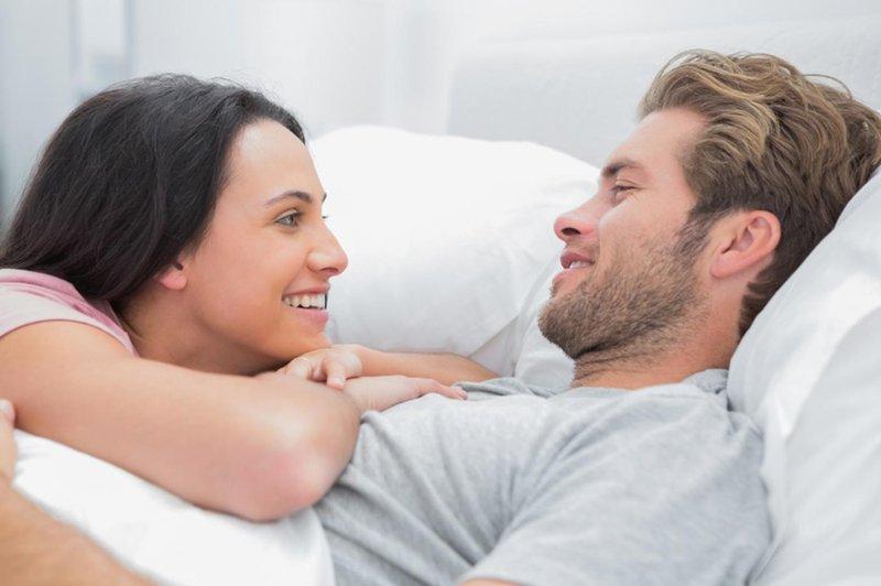 5 hal yang harus dibicarakan dengan pasangan soal seks agar pernikahan langgeng 02