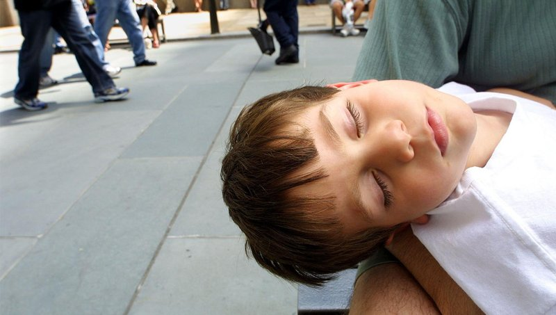 5 hal yang jadi penyebab si kecil sering terbangun tengah malam 2