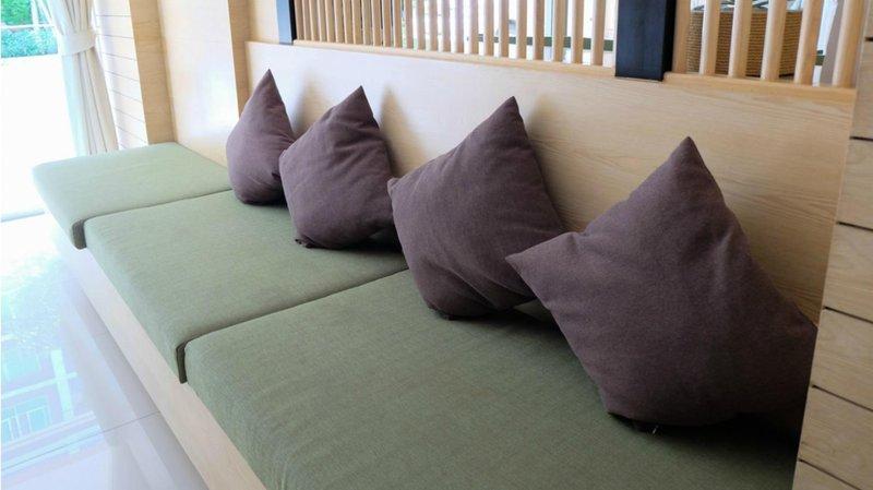 5 inspirasi dekorasi rumah menyambut idul fitri sofa bantal