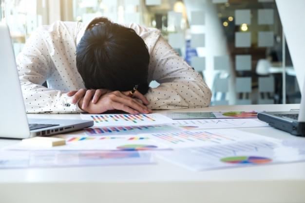 5 kebiasaan buruk yang sebaiknya tidak dilakukan saat bekerja 3