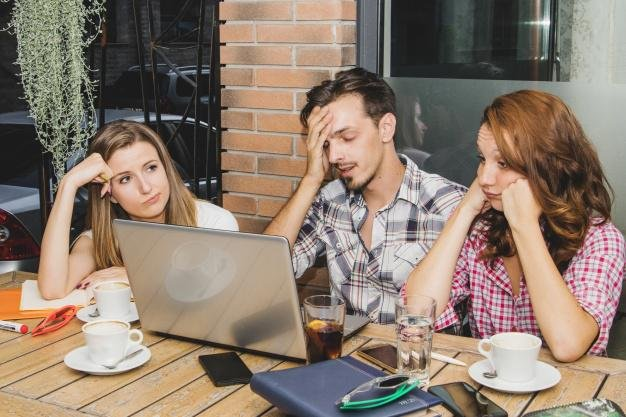 5 kebiasaan buruk yang sebaiknya tidak dilakukan saat bekerja 4