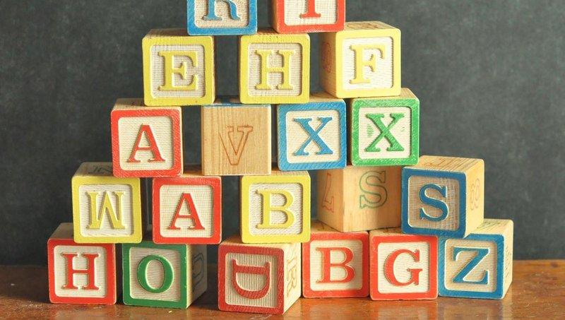 5 kegiatan ini bisa membantu anak mengenal aksara 2