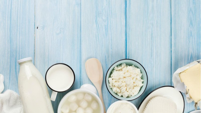 5 makanan ini akan memperkuat gigi balita susu dan turunannya