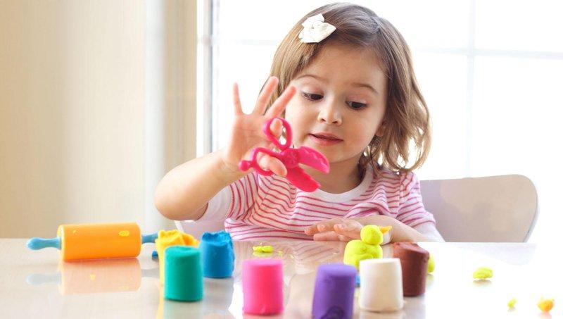 5 manfaat baik bermain play dough untuk balita 1