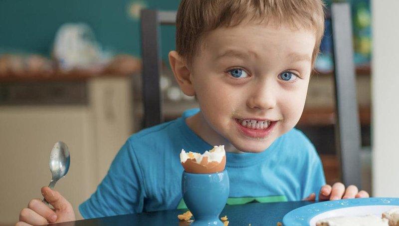 5 manfaat makan sebutir telur untuk sarapan anak setiap hari 1